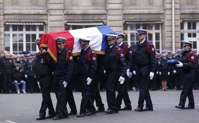 Terrorismo en París, la misma guerra de siempre. Con Antonio Bernardo Espinosa, Toni Florido y Pedro Gómez