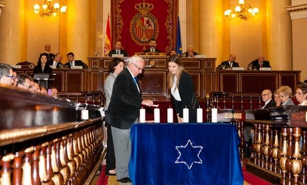 Acto en memoría del Holocausto