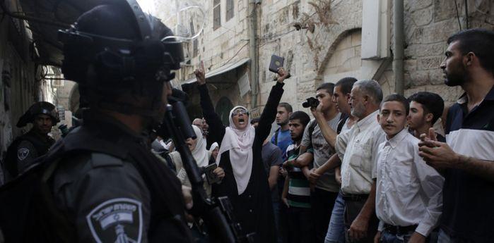 Abbas: una mano por delante y otra por detrás