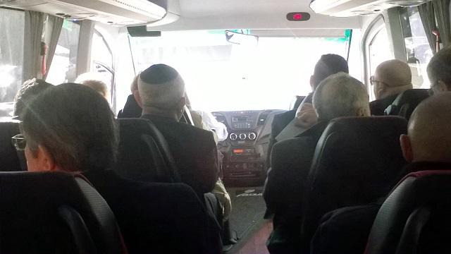 De camino al acto solemne con el Rey de España, con los representantes de los judíos de España