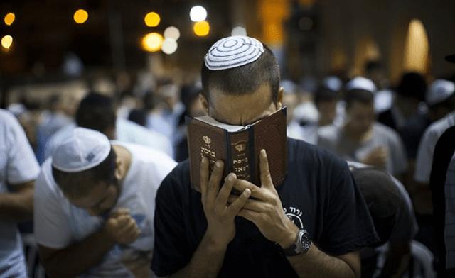 Selijot completas en una sinagoga sefardí de Israel