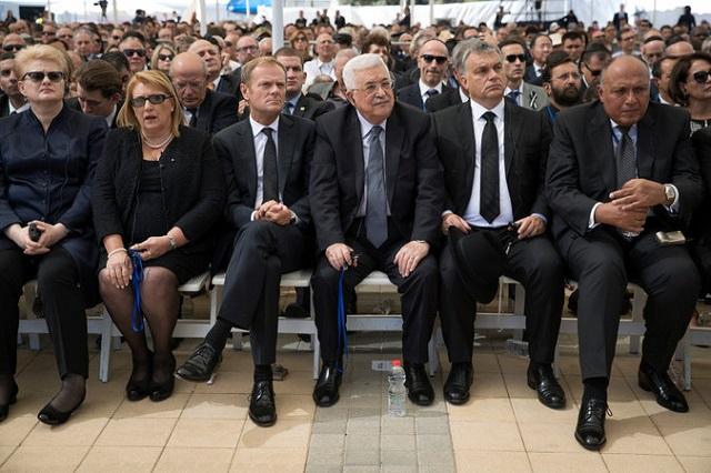 La inesperada presencia de Mahmud Abbas en el sepelio de Shimon Peres