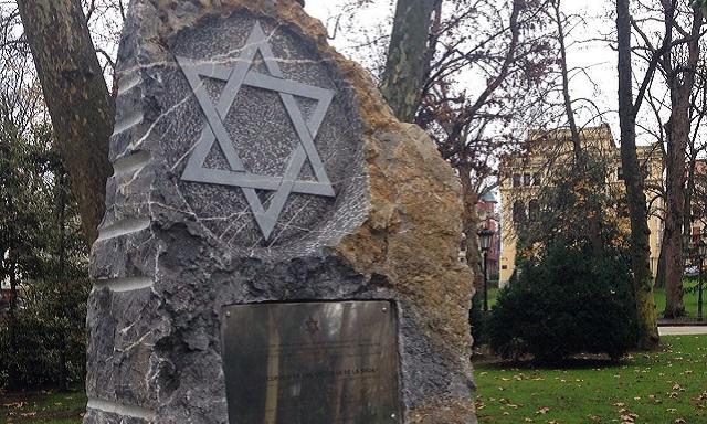 Un nuevo monumento y un nuevo encuentro con los jóvenes sobre el Holocausto, con Aída Oceransky de la Comunidad Judía de Asturias