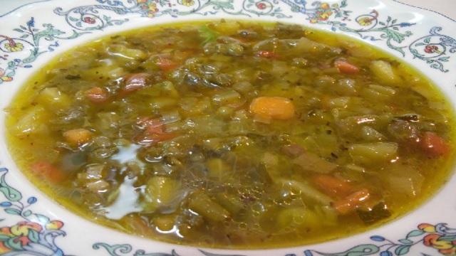En Pesaj una sopa de verduras y un bizcocho de nuez