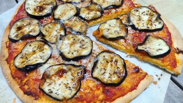 Pizza de berenjena y granizado de melón