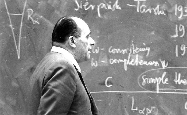 Andrzej Mostowski: los fundamentos de las matemáticas y la teoría de conjuntos