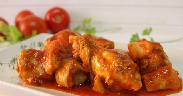 Muslitos de pollo con tomate y una cassola…que son dos
