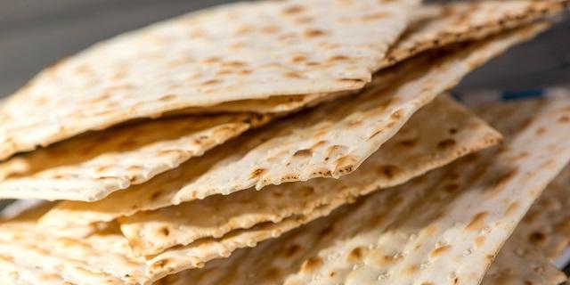 Para después de Pésaj: tortilla de queso y matzá y cordero con frutos secos