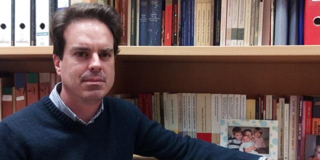 """""""De la cuna a la sepultura, sin pasar por la vicaría: las edades del hombre (y la mujer) publicitadas en la prensa sefardí, con Aitor García Moreno"""