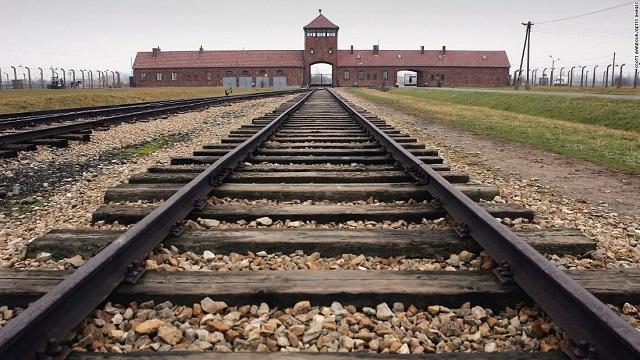 75 aniversario de la liberación de Auschwitz, con Jorge Schneidermann