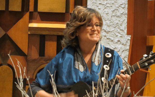 Beth Schafer, cantautora judía