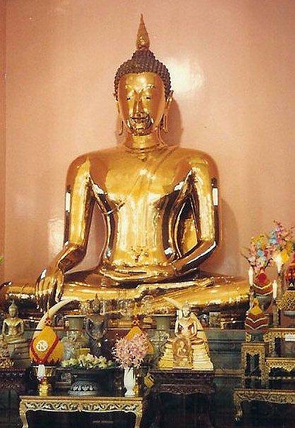 Il Buddha d'oro e le incoerenze dei conformisti (da leggere e diffondere)