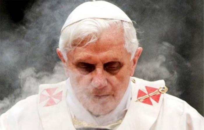 Benedetto XVI si dimetterà a giorni