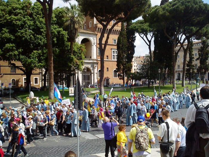 Radio Spada: Marcia per la Vita, un'adesione critica