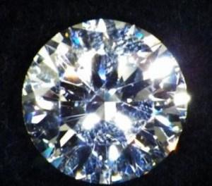 Cremazione, amata dalla Massoneria. In Svizzera si possono fare diamanti con le ceneri del caro estinto