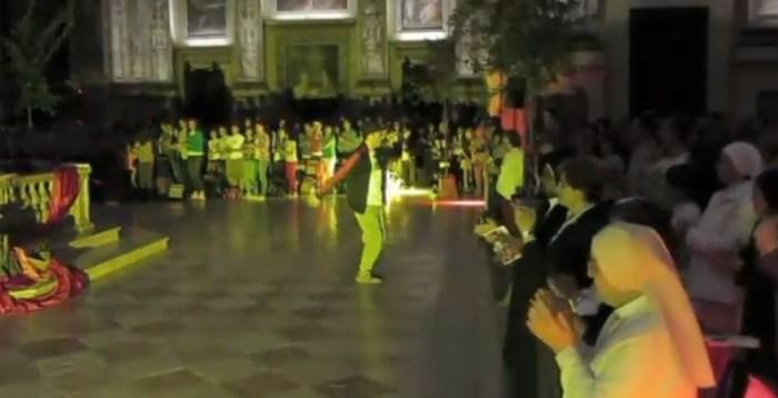 In cattedrale rap e balletti come veglia di Pentecoste