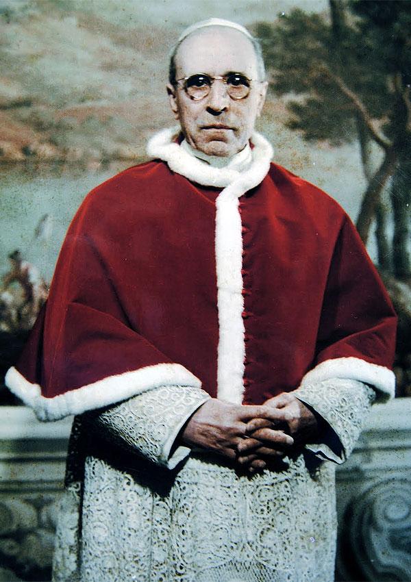 "Agosto 1950: Papa Pio XII condanna i moderni ""fallibilisti"""