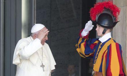 Bergoglio abbandona il latino come lingua ufficiale del Sinodo