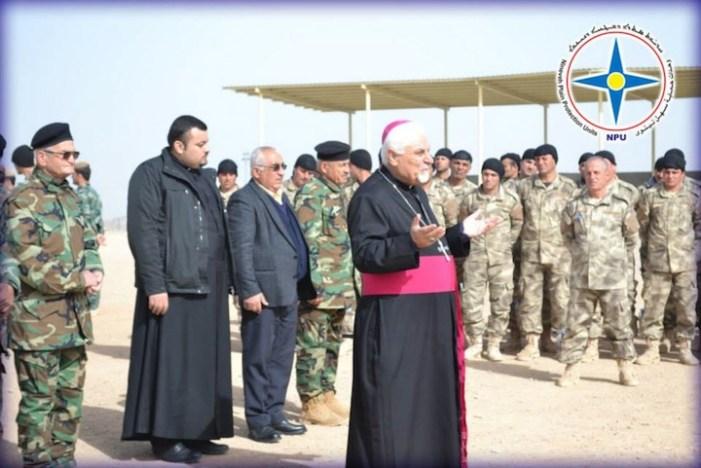 [DA VEDERE] Il Vescovo siro-cattolico benedice le milizie cristiane
