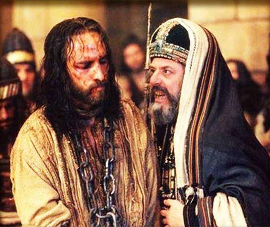 """L'iniquo processo a Gesù. Caifa, """"peggiore di Satana"""", si privò della dignità di Grande Sacerdote"""