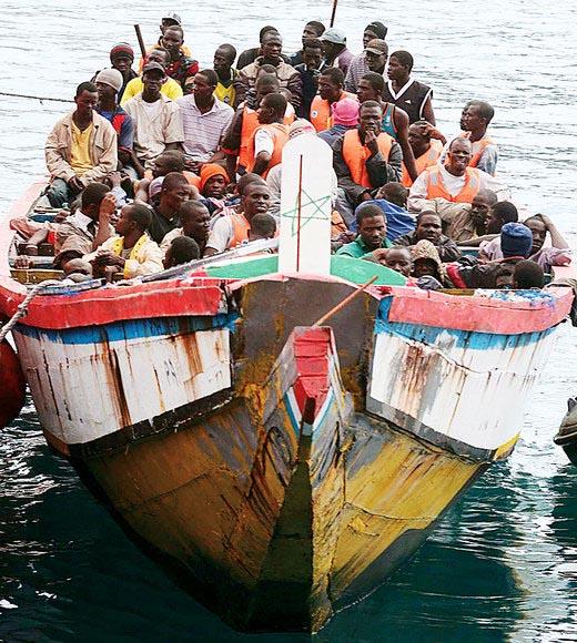 Boldrini e 'mons.' Perego contro i cristiani a favore dell'immigrazione islamica