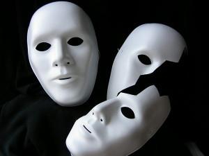 Oltre-la-maschera