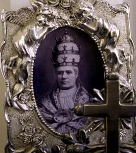 PiusX-SilverAltar