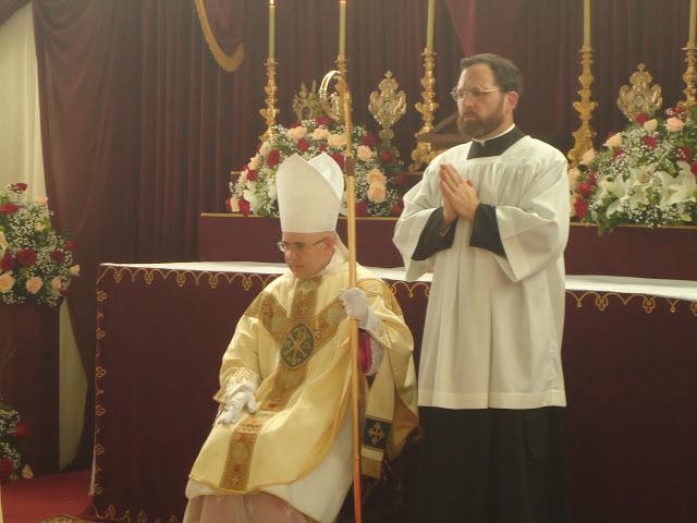 Monsignor Williamson consacra vescovo Tomas de Aquino