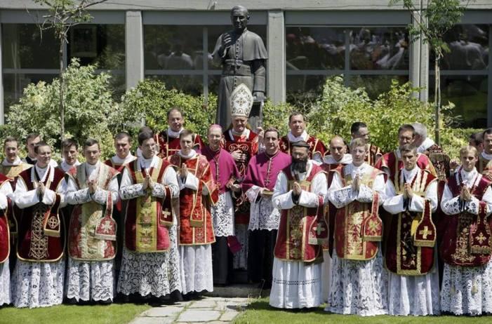 [SONDAGGIO] Come vedete gli approcci tra FSSPX e autorità vaticane?