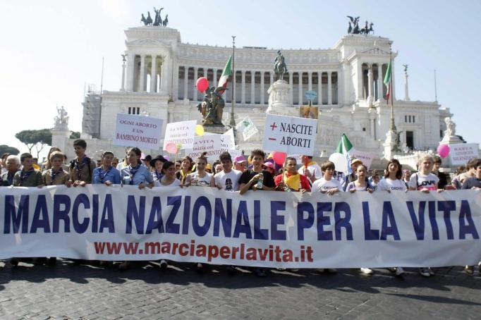 Foto Mauro Scrobogna /LaPresse 13-05-2012 Roma Politica Marcia per la vita- movimenti anti abortisti Nella foto: dimostranti dei movimenti contrto l'abotro durante il corteo Photo Mauro Scrobogna /LaPresse 13-05-2012 Rome Politics March for live- anti abortion moviment In the picture: anti abortion moviment demostrants during the parade