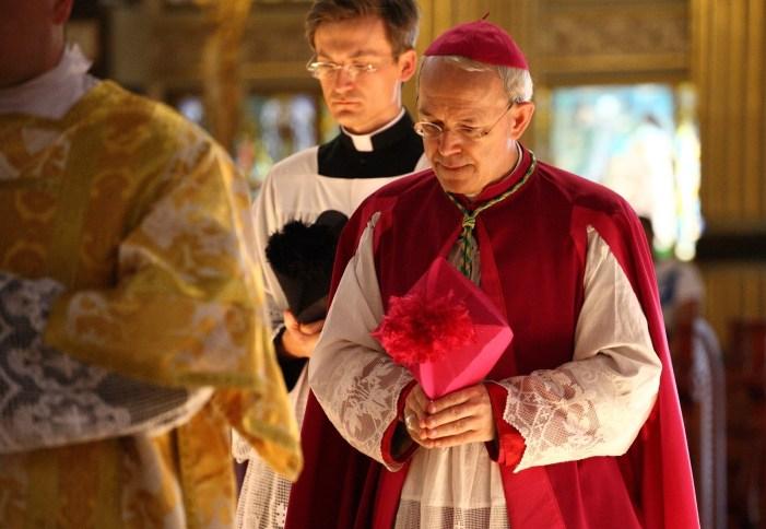 Dubia alle esternazioni di mons. Schneider sulla Fraternità San Pio X