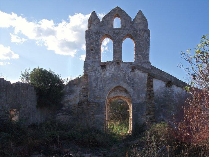 chiesa-medievale-sant-elena-lotzorai-facciata-2
