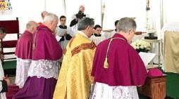 Quattro vescovi (Zendejas, de Aquino, Faure e Williamson) consacrano la Russia al Cuore Immacolato di Maria