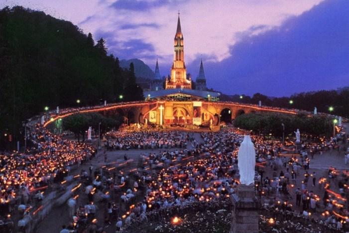 Vincitore (agnostico) del Nobel per la Medicina riconosce: 'I miracoli di Lourdes sono inspiegabili'