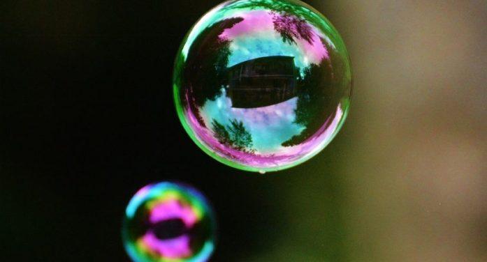 Dal UK suggerimenti agli investitori per ripararsi dallo scoppio della bolla