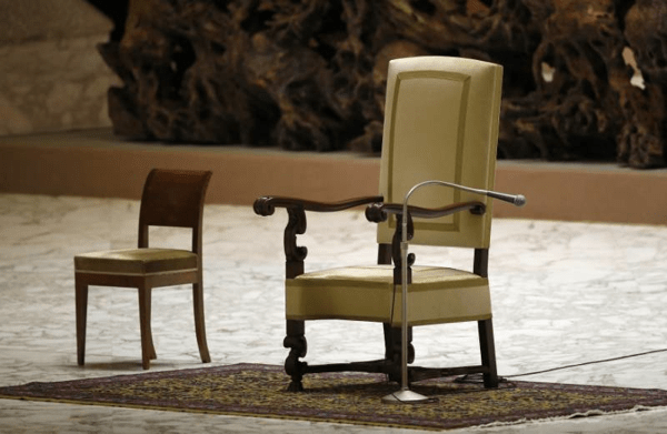 Pope-empty-chair