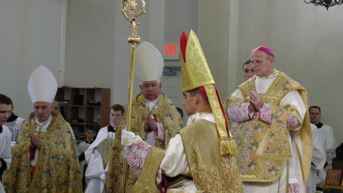 [AI PIEDI DEL TRONO VUOTO] Monsignor Joseph Selway, un nuovo vescovo per la Sede Vacante
