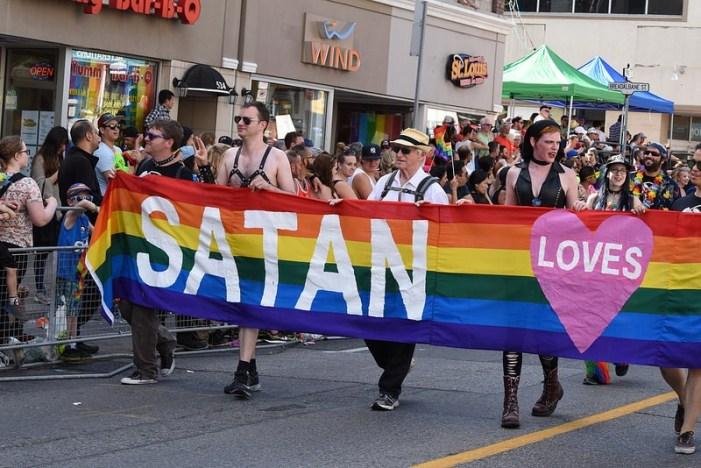 'Alla luce delle gravi rivelazioni sulle veglie antiomofobia, necessaria risposta urgente'