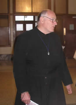 [AI PIEDI DEL TRONO VUOTO] In memoriam: Padre Joseph Collins