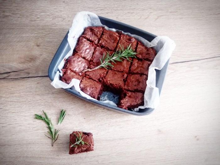[SPADAKITCHEN] Brownie al cioccolato e rosmarino