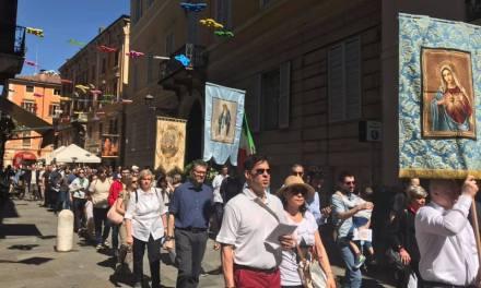 Ciò che la stampa non ha detto, il caso Modena: la processione, don Camillo e le manovre (?) della diocesi