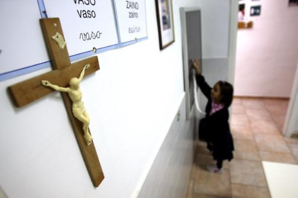Il sindaco di Ferrara: 385 crocifissi per le 385 aule scolastiche sprovviste