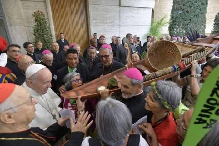 Ministeri femminili, preti sposati e rito amazzonico. Le richieste del Sinodo Amazzonico