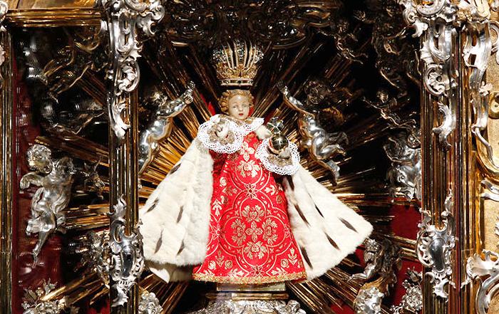 La storia (poco ecumenica) del Gesù Bambino di Praga