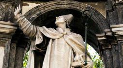 San Gennaro: il sangue si scioglie per la festa del Patrocinio.