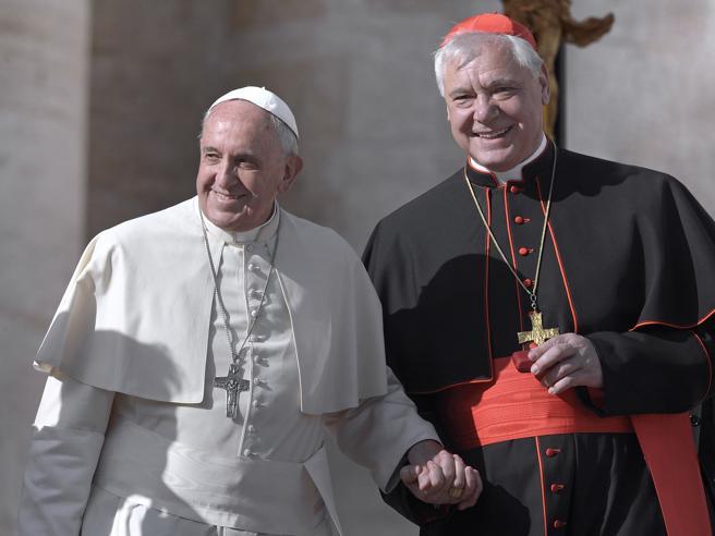 Come volevasi dimostrare: Bergoglio plaude allo scandaloso intervento di Müller su Querida Amazonia