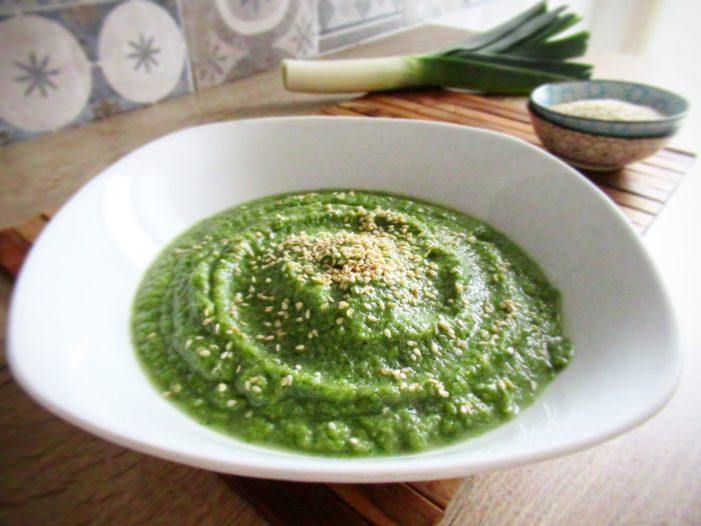 [SPADAKITCHEN] Crema di broccoli con semi di sesamo