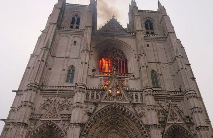 Nantes. Confessa l'autore dell'incendio della Cattedrale