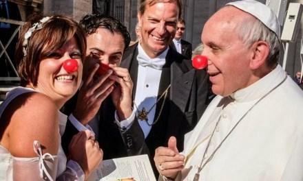 """Il Vaticano autorizza i laici a celebrare matrimoni e funerali (in nome del """"Concilio"""")"""