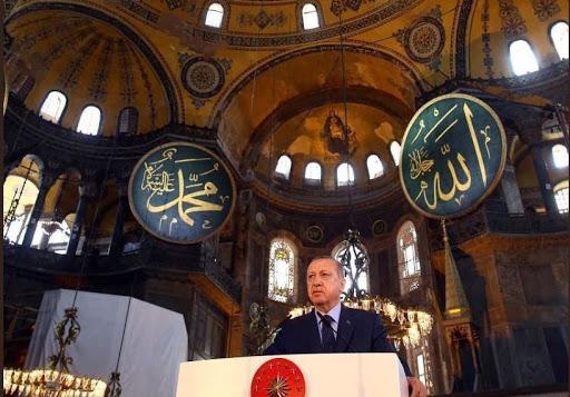 Santa Sofia ritorna moschea!